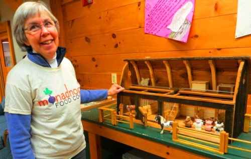 "Sandy Hamm, Stonewall Farm's Development Coordinator and the Co-op's Membership Volunteer for many years, sports our new ""Discover Local"" t-shirt while showing us all the fun to be had at Stonewall's Discovery Room."
